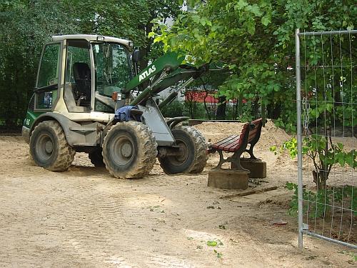 Spielplatz als Baustelle